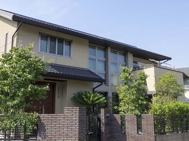 現代的な外観の一軒家